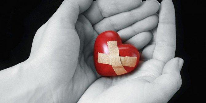 reprimere emozioni fa male al cuore