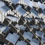 Pannelli solari che si muovono per ottimizzare risparmio energetico