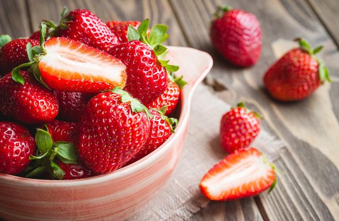 Fragole calorie proprietà