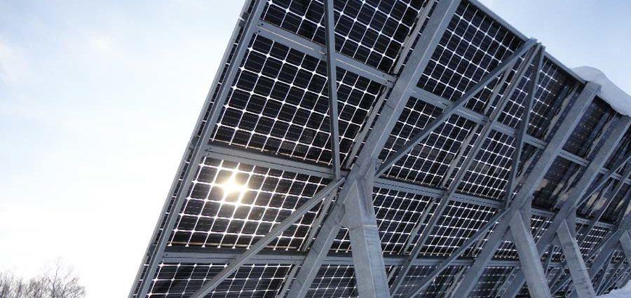 Pannelli solari bifacciali e mobili