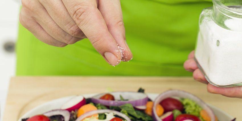 Poco sale nella dieta fa bene microbioma