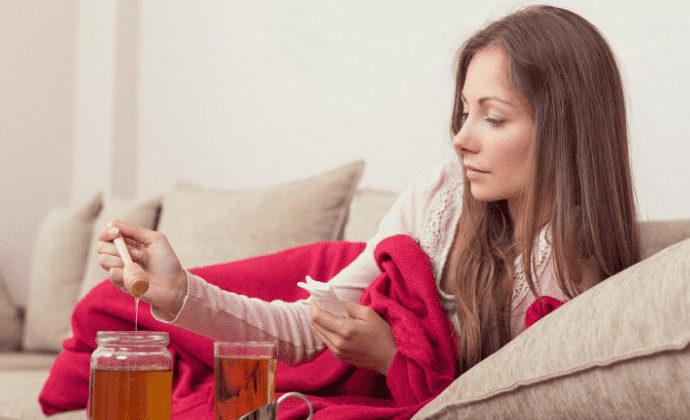 Miele antibiotico naturale raffreddore