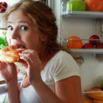 Perchè si mangia anche senza avere fame?