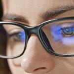 Occhiali che filtrano luce blu servono a migliorare il sonno