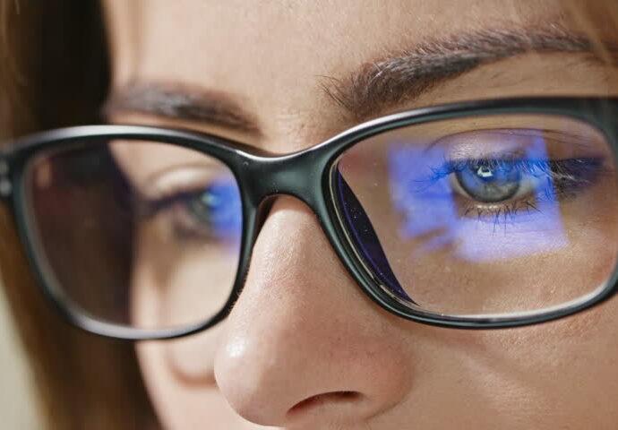 Occhiali per luce blu servono al sonno
