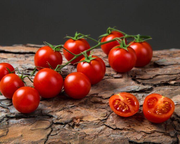 Pomodori ciliegini calorie valori nutrizionali