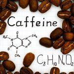 Troppa caffeina conseguenze: perdita di calcio e osteoporosi